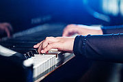 Play the Piano - Beginners Video Online Bundle, 2 Certificate Courses