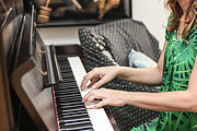 Play the Piano - Beginners Video Online Bundle, 5 Certificate Courses